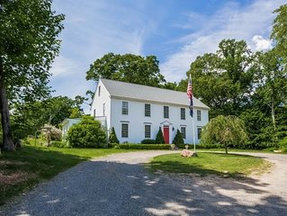Quaint colonial with close proximity to downtown, the water, and Hammonassett