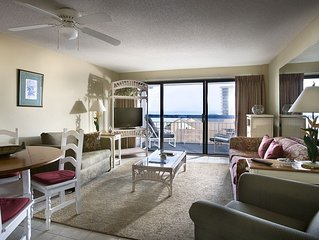 Spacious Ocean View Suite w/ Balcony + Official On-Site Rental Privileges