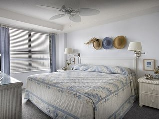 Gorgeous Ocean View King Suite w/ Balcony + Official On-Site Rental Privileges