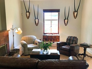 Cape-Dutch Apartment | 2- Ensuite Bedrooms | Historic Centre