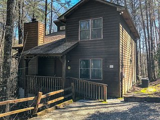 New Listing! 5 Bedroom Cabin with WIFI