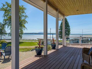 Birch Bay Custom Vacation Home with 180* Ocean Views and Beach access.