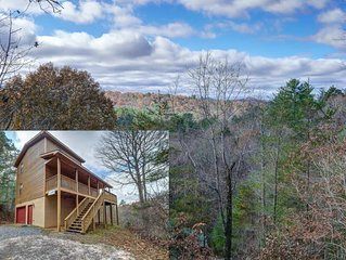 Take in Stunning Views in this Lovely Pet Friendly Smokey Mountains Chalet