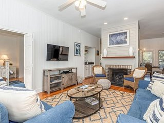 Gorgeous Vacation Home Close to Amenities