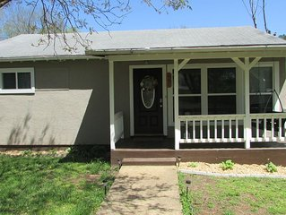 Family friendly 2 BR 2BA cottage near Current river in town of Van Buren MO