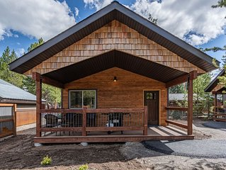 Whiskey Springs New Cabin in Town, 5 Blocks from Yellowstone Nat Park W Gate
