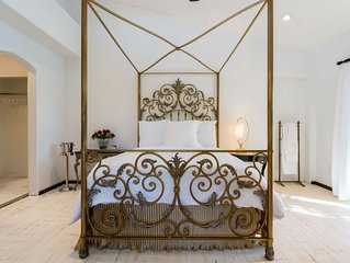 Private Rose Garden Suite Next to the Vineyard & Off The Pool - Private Entry