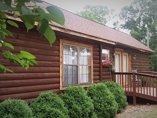 Little Log Cabin Near the Lake!