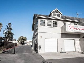 Ocean View 1 Bedrm House Sleeps 4, Steps to the Beach & Train Station, Pets O