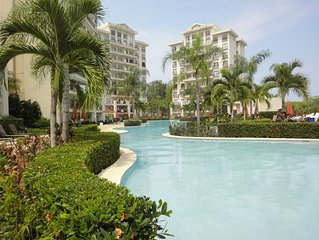 Spacious 2 Bedroom Ocean,Mountainview + Pool