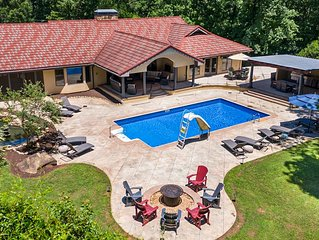 Large 6-bedroom house with dream backyard! The ultimate getaway!