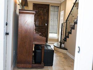 Houston Galleria 3 story Beautiful Patio HM! Optional room/study queen nxt door!
