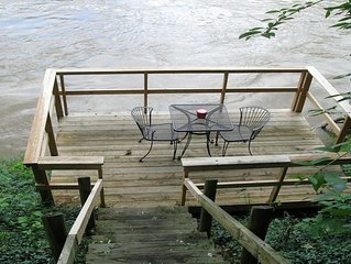 Rustic River Cabin, Charming Riverfront, Hottub, 2 Stone Fireplaces, Dock, Views
