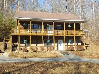 Ellie's Place at Lake Cumberland- Cozy Retreat with great Mountain Views