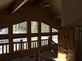 Beautiful Grand Lake year-round cabin, lake views, 2 minutes to town, 10 to RMNP