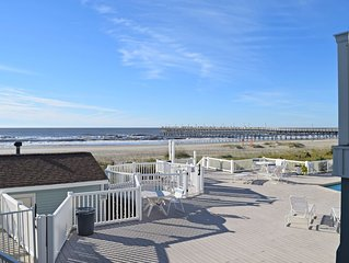 Shells In Your Pocket - Oceanfront Condo - Private Deck, Pool, Beach
