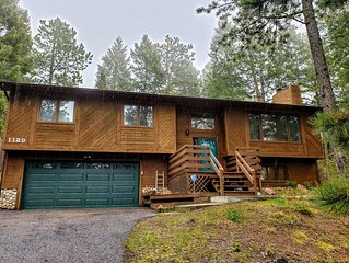 Woodland Park - 3 Bed, 3 Bath Home - In The Pines but Close to Town - Sleeps 8