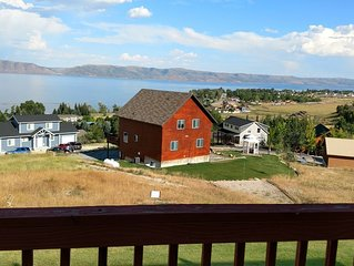 Lake View Condo 2 Bed, 2 Bath