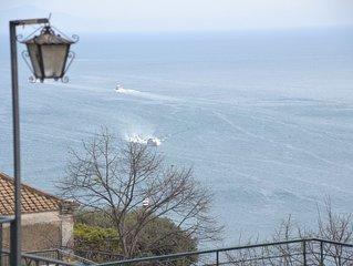 Ella's House, Positano Center, 2 Bedrooms, AC free, Terrace overlooking the sea.