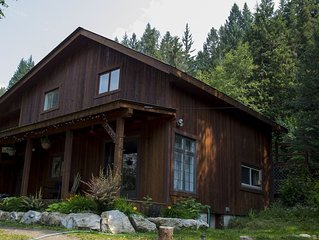 Creeky Cedars Suite Mountain Getaway - minutes from Golden
