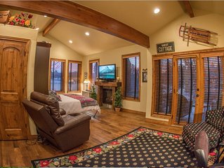 Romantic Columbine Cottage guest suite on gated private four acre horse ranch.