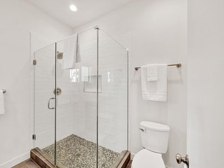 1 Bdrm downstairs · Hollywood Suite 1 Bdrm