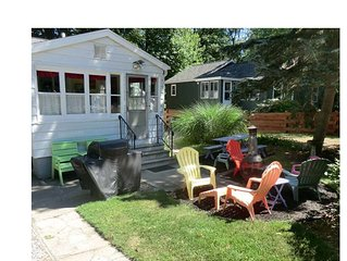 Plum Hollow Cottage near Pere Marquette Park and Lake Michigan