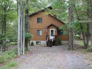 Enjoy the Poconos in this cozy, family friendly retreat.