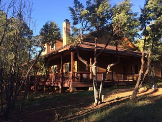 Luxury Vacation Home in the Spectacular White Mountains 4 bedroom 2 bath sleep/8