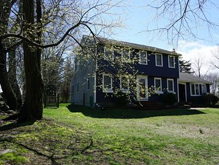 Beautiful Colonial on scenic 2 acres close to Newport and Narragansett