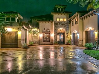 Waterfront Lake Conroe - SLEEPS 16 +  - Beautiful Mansion