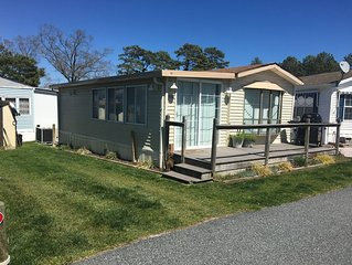 White Horse Park. Quiet Community. Close to Ocean City. Sleeps 7. Pet Friendly!