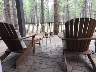 Luxury retreat in the Pines, 5-10 mins to NAU/downtown (2-6 wk rental max)