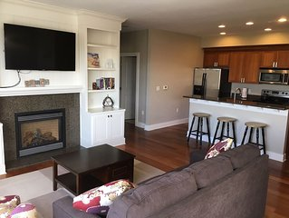 Eagle Street Retreat - Downtown Condo in the Heart of South Haven