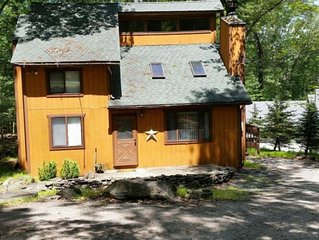 Masthope Retreat in the Poconos 4 Bedroom House/ Sleeps 9