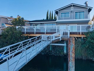 Newly Remodeled Water Front Home w/Private Dock Just Minutes from Fast Water.
