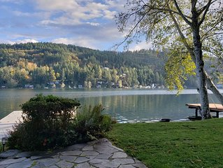 Beautiful Lakefront Home: Lake Vacation or Homebase to Explore the Northwest!