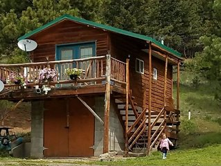 Cozy Cabin In The Mountains- Cabin Creek Ranch