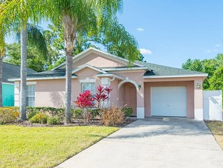 FREE POOL HEAT ! 8 miles from Disney,  Gated 2 Master Bedrooms