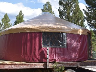 Yurt Next to Clarks Fork of the Yellowstone River, 30 Minutes from Yellowstone