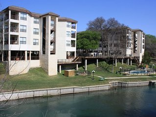 Comal River Condo w/Pool, River Access & Park, Schlitterbahn across the street