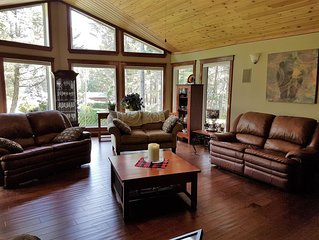 Beautiful 4 Bedroom Home, 2 minute to Columbia Lake /Sledding/Hot Springs/Skiing