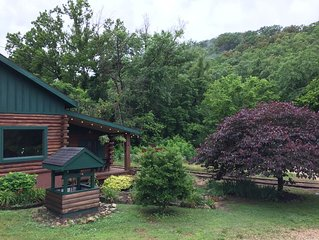 Beautiful Log Cabin, Close to Historic Downtown
