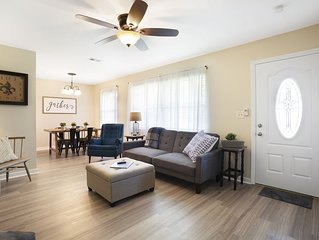 Coastal Comfort 1 mile  from the beach and downtown. HOT TUB and outdoor dining.