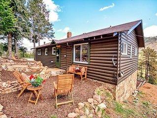 Cowboy Cabin-Pikes Peak Ω Mountain Log Cabin for 6