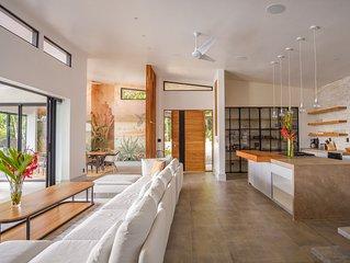 Brand New Luxury Aracari Villa