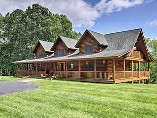 NEW! FOLEY'S LOG CABIN with Hot Tub