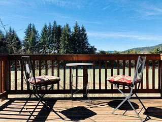 Scenic Riverfront Retreat - Outdoor and Wildlife Enthusiast Dream!