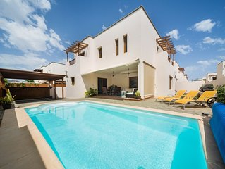 HOLIDAY VILLA CLOSE TO THE SEA IN THE SAFEST AREA OF LANZAROTE