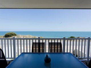 BEACH FRONT - Blue Bay Beach Stay - Halls Head - 10 bed